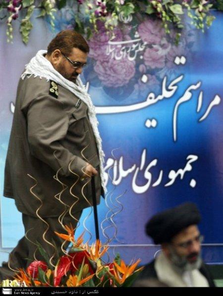 """رنگ موی قهوه ای در مراسم """"تعلیف"""" احمدی نژاد 14 مرداد"""